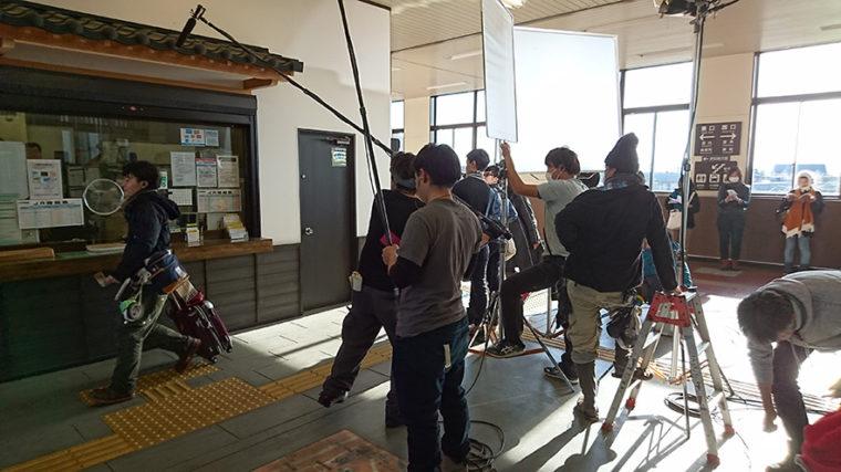 宮内駅での撮影風景