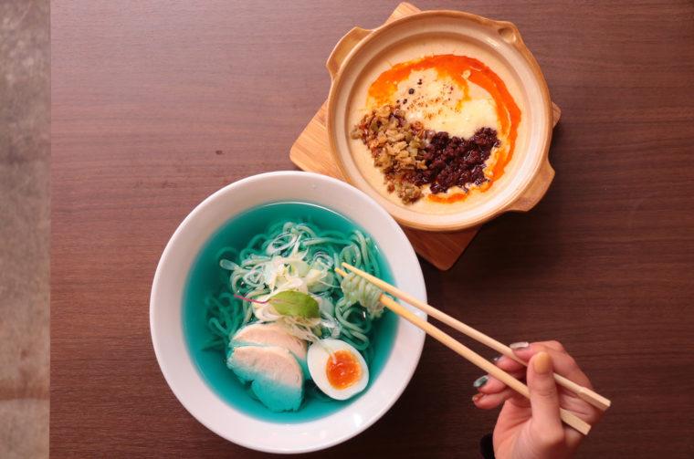 『つけ担々麺Blue ~フォンデュ坦々と蒼いスープ~』900円(税抜)