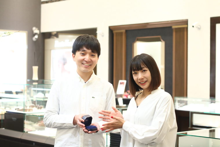 大澤好みのデザインの婚約指輪を選ぶことができました!