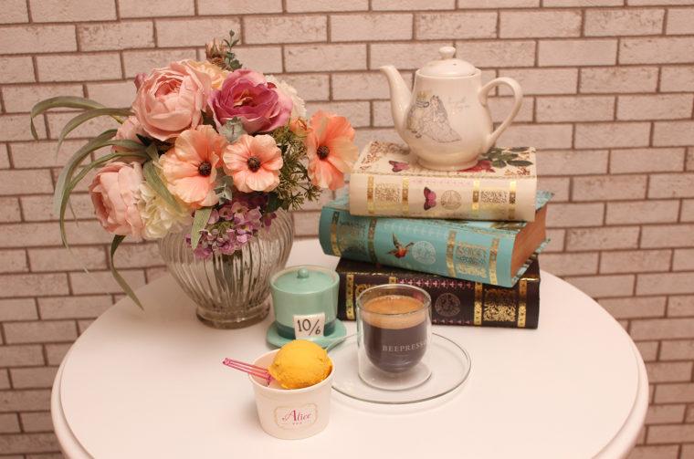ショッピングを楽しんだ後は、美味しいジェラードとコーヒーで寛ぎのひと時を