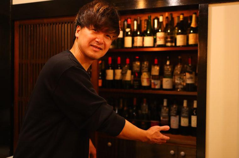社長・佐藤さん。「ワインも豊富に取り揃えています」