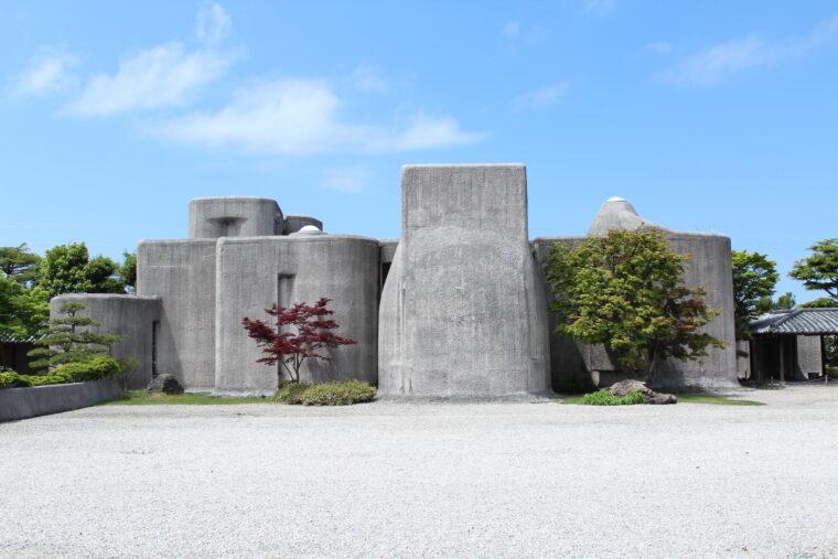 こちらは谷村美術館の外観(以前いただいた写真を、弊社データベースから探してきました)