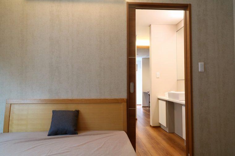 これが寝室、、、今すぐベッドに飛び込んで眠りに落ちたい
