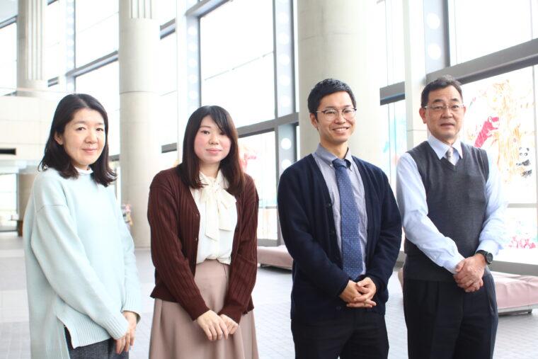 職員の冨樫さん、坂井さん、安達さん、桜井さん