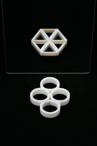 トポロジー攪乱立体「4円と6角車輪」