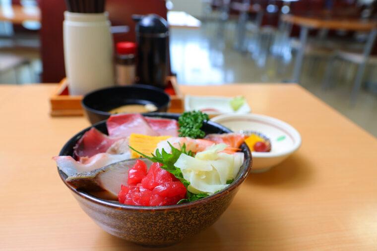 『海鮮丼』(870円)