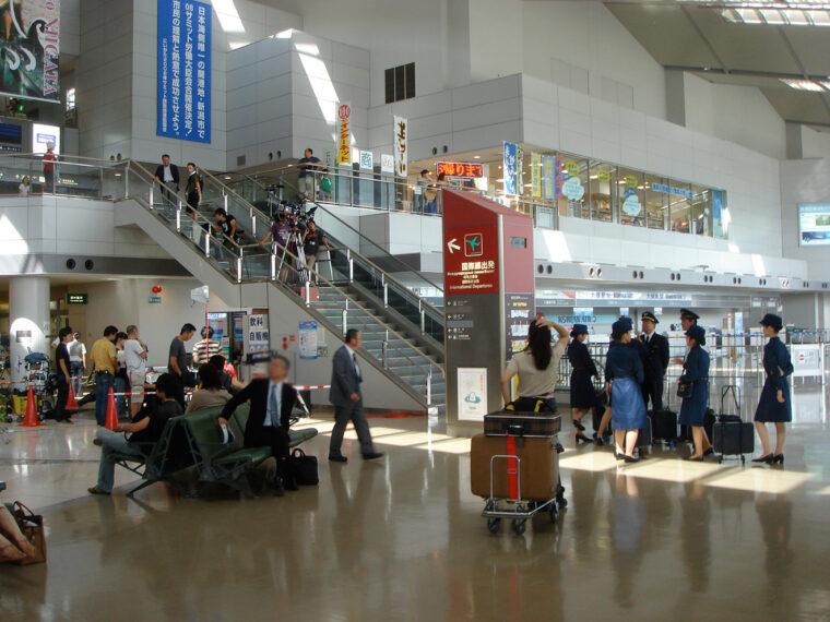 新潟空港ビルディングの一階ロビー