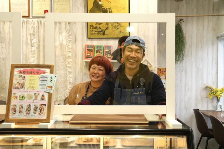 冨田シェフ(右)と五十嵐さん(左)。お店にもお人柄がよく出ています。ナイスコンビです!