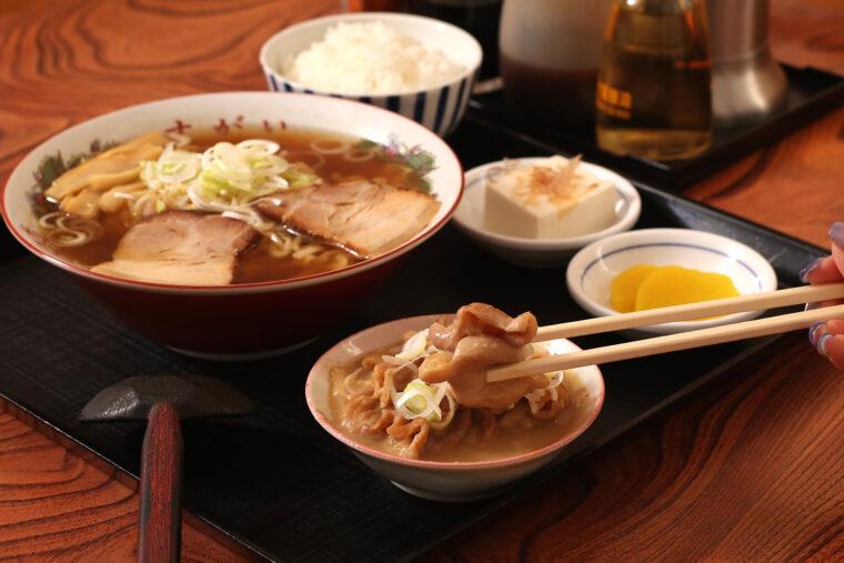 『ラーメン定食(もつ煮込み)』(950円)