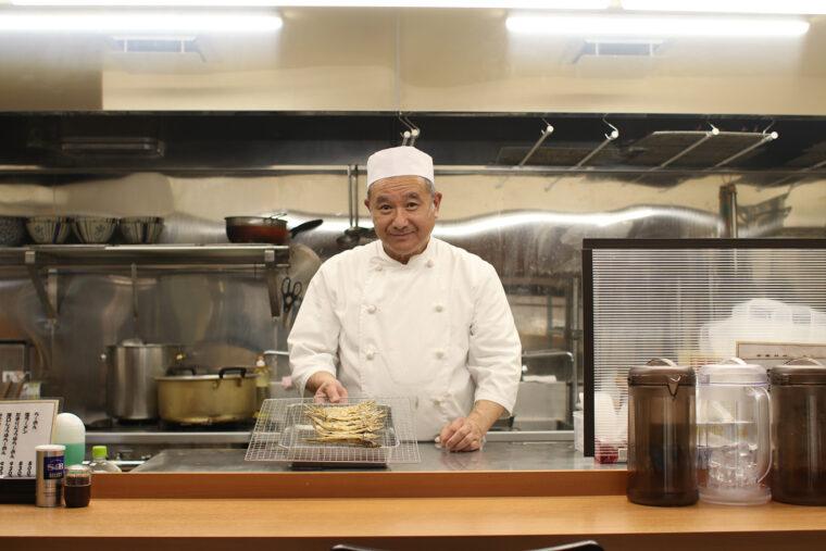 永野さんは旬の魚を使ったさまざまなラーメンを考案しており、数量限定ラーメンを目的に訪れるお客も多い