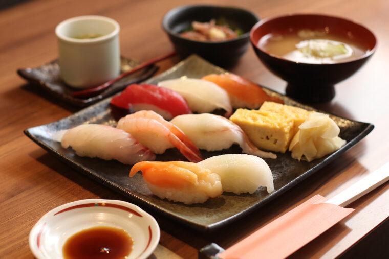 『寿司御膳』(1,300 円)