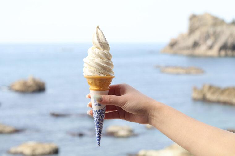 『塩ソフトクリーム』(350円)