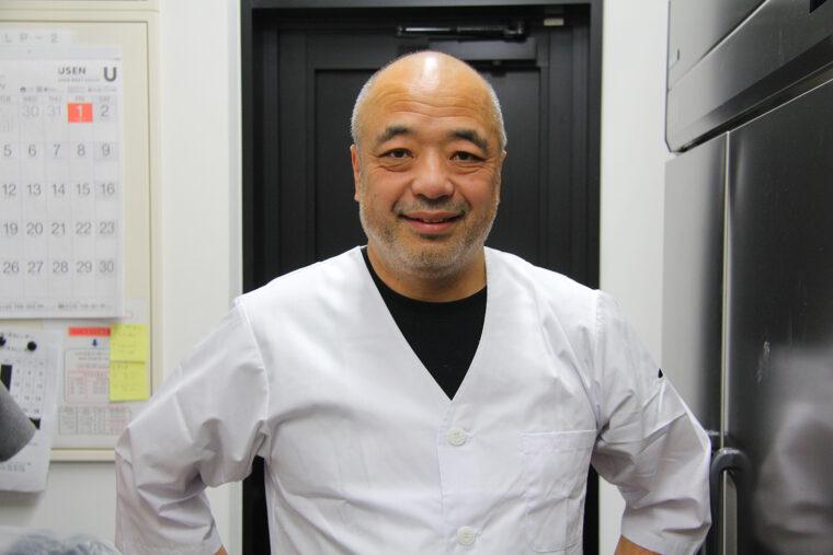 酒麺亭潤をはじ め、県内外の潤グループ店を統括する松本潤一社長