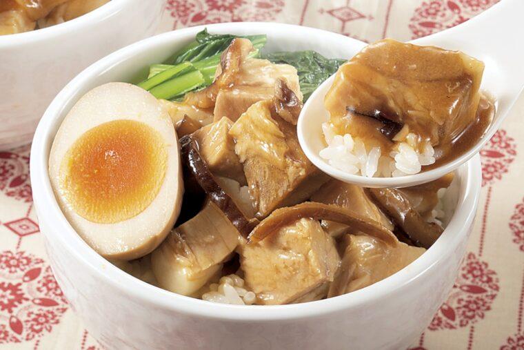 トロトロの豚バラ肉と八角の香りが食欲をそそる! 本場台湾の屋台料理