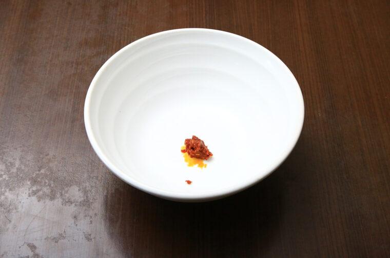 中辛に入っている激辛豆板醬の量がこちら