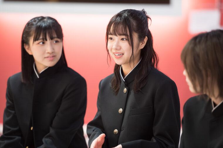 2期生の真下華穂(ましもかほ)。1999年11月8日生まれ。静岡県出身