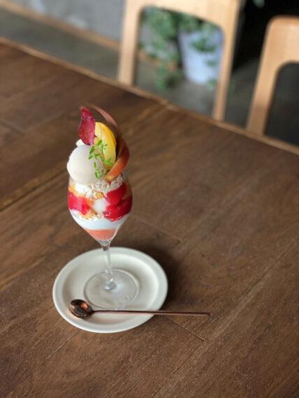 『野沢果樹園プラムのグラスデザート』(1,320円)