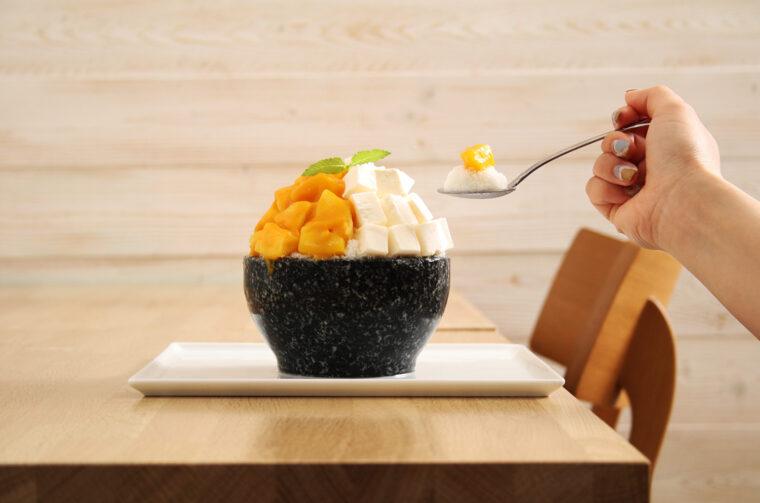 『マンゴー&レアチーズ』(880円)
