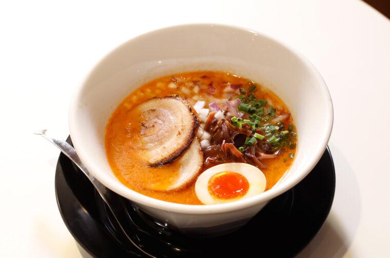 トロッろしたスープで海老の風味が濃厚!
