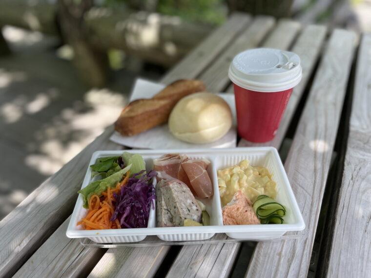 こんな感じ! お天気のいい日には公園なんかで食べるのがよさそうですね