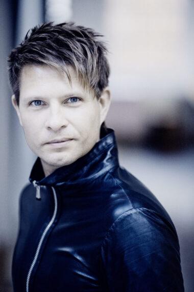 クシシュトフ・ウルバンスキ(指揮)(C)Marco Borggreve