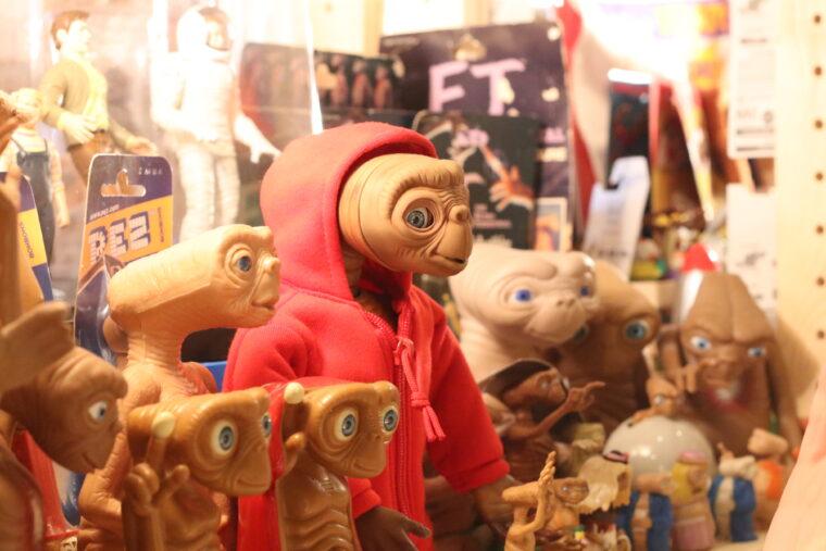 ETのグッズもたくさん。あなただけの「トモダチ~」を見つけて!