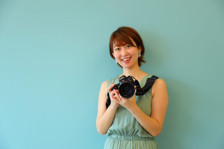 代表・フォトグラファーの佐藤有希さん。ご自身も小さなお子さんを持つママさんでもあります