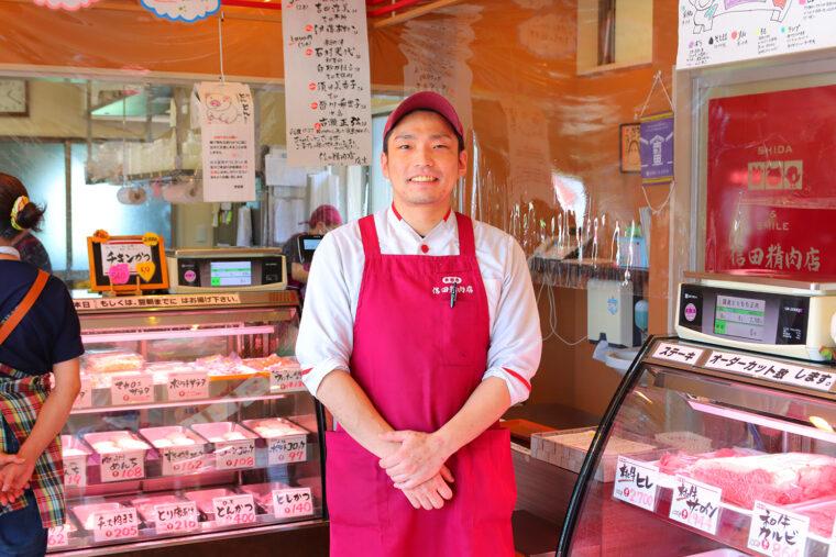 店長・信田謙一郎さんは元水泳選手、射撃の名手というアスリート! ご家族とともにお店を営んでいます