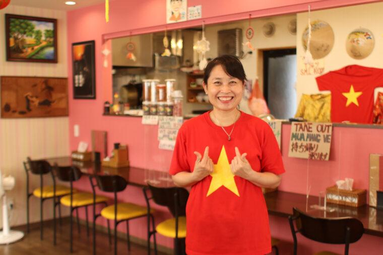店主の小西エンさん。日本に来て16年になるそう