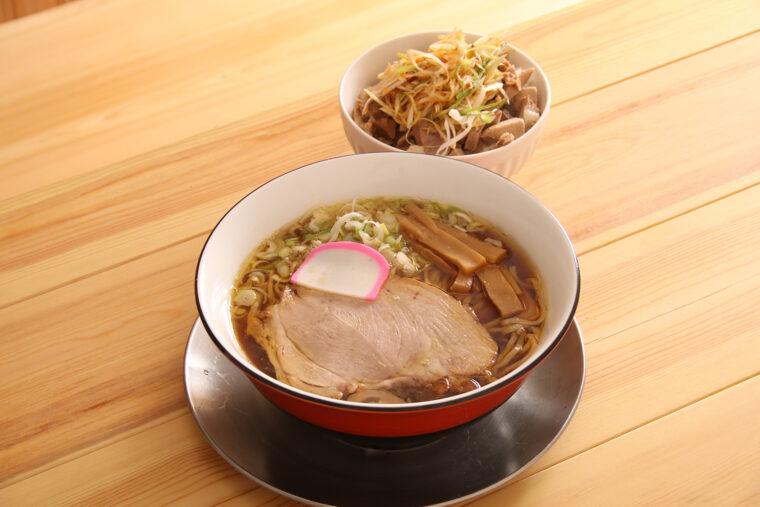 のどぐろ中華そばと『ネギチャーシュー丼』(300円)