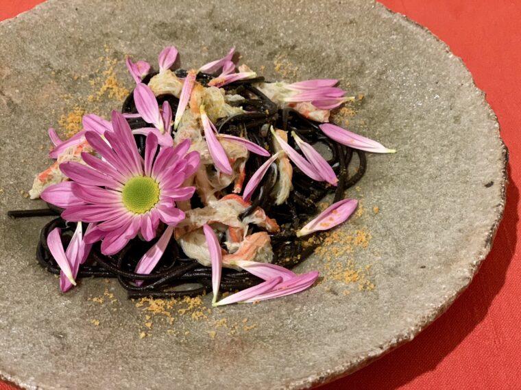 料理の一例:花嫁のイカ墨パスタ